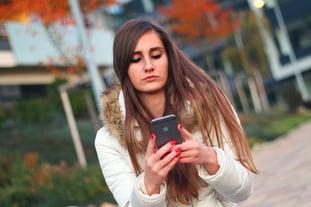 smartphone-593347_640